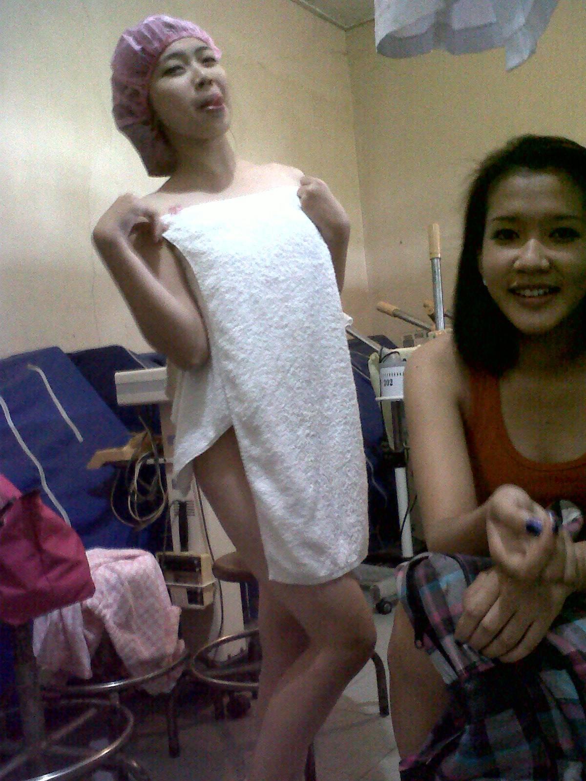 Sehabis dilulur gadis SMK selfie bugil telanjang.